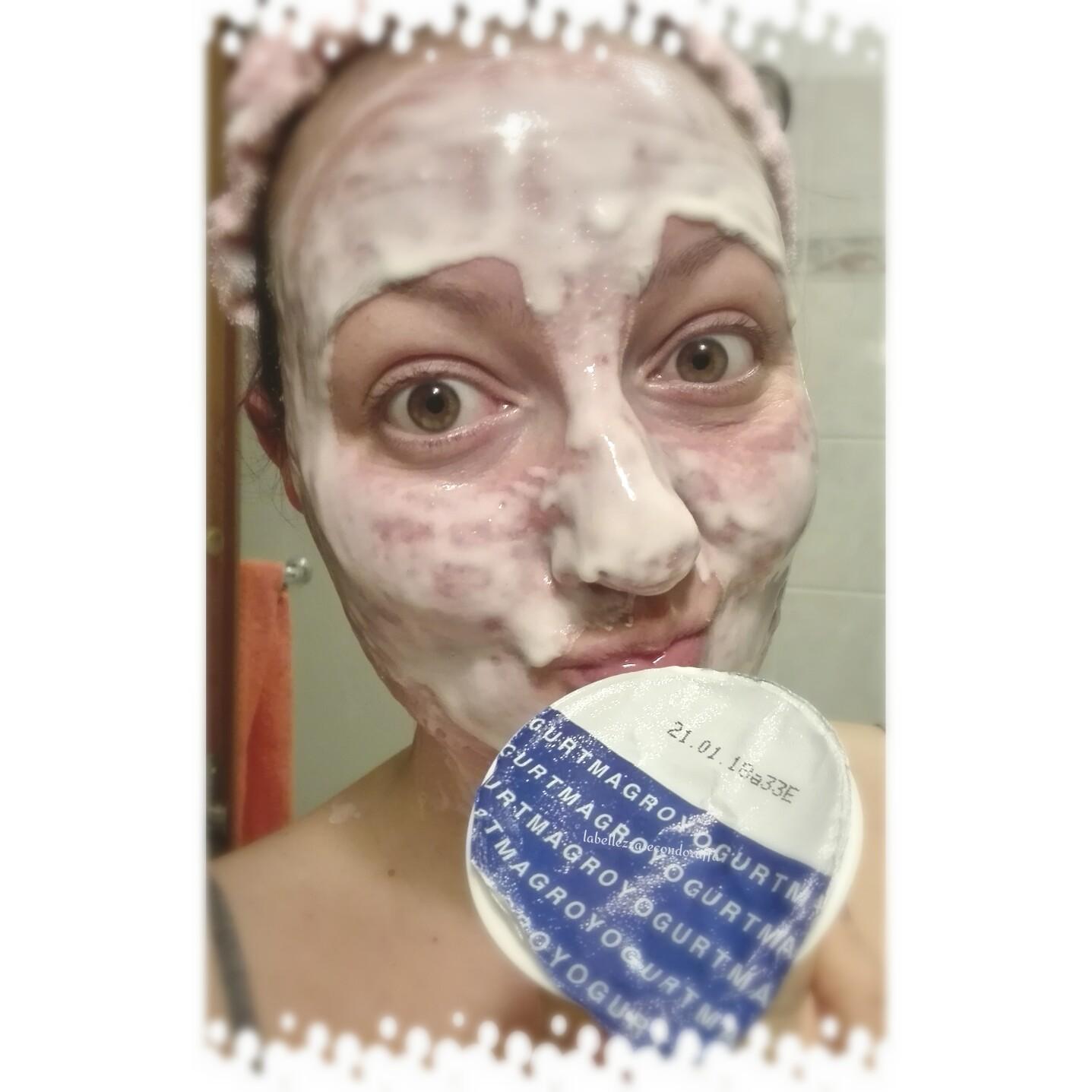 maschera viso yogurt scaduto